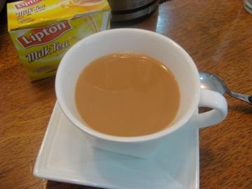 İngiliz usülü sütlü çay
